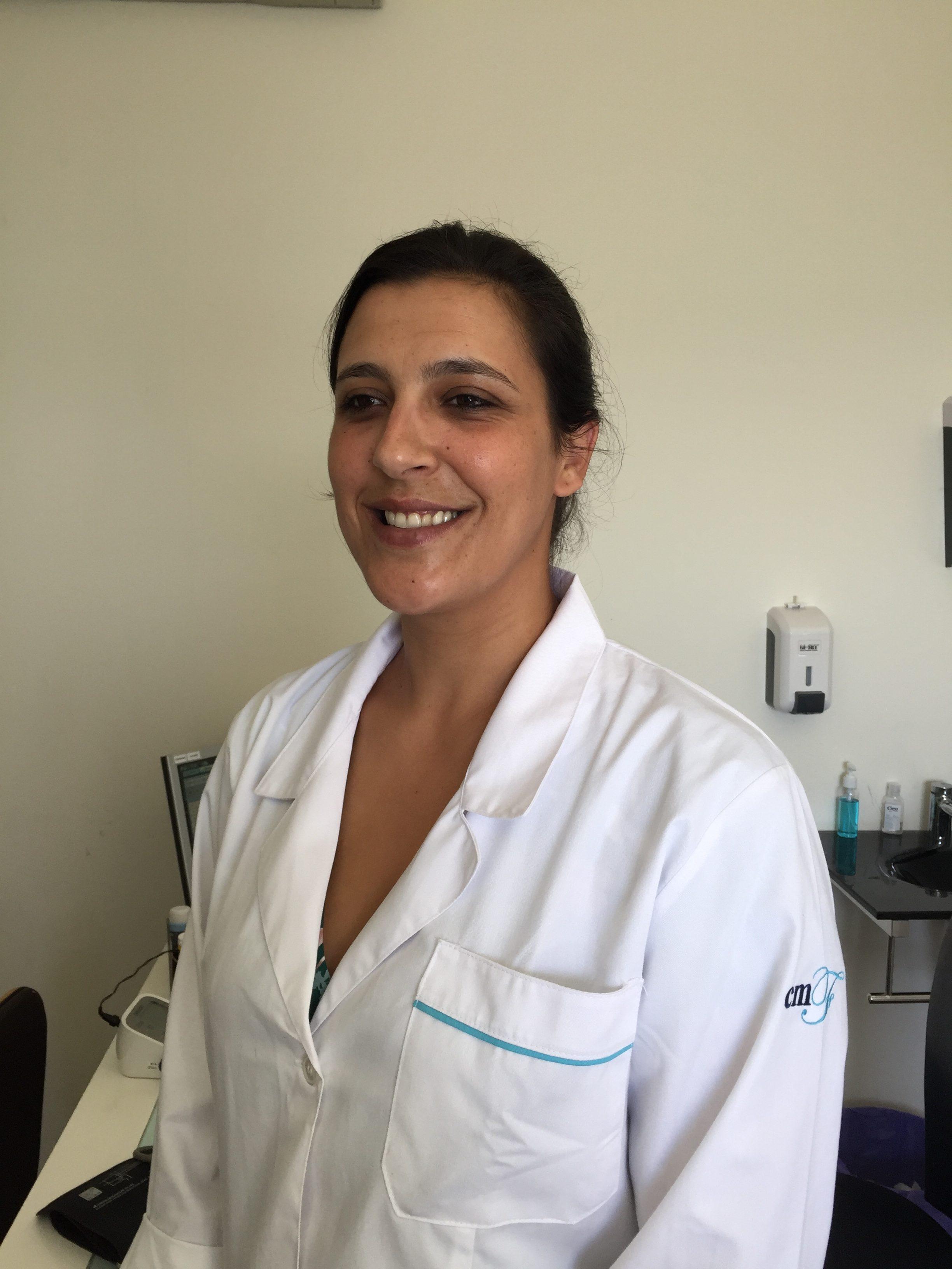 Enfª Claúdia Oliveira - Clinica Médica da Foz